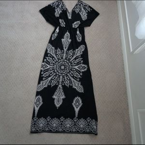 NWOT black and white maxi dress